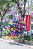 balloon salesman on the center of Saigon ( Ho Chi Minh City ) , Vietnam