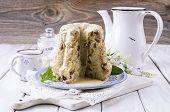 bundt cake with vanilla sauce