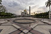 picture of pry  - Sultan Omar Ali Saifuddien Mosque is an Islamic mosque located in Bandar Seri Begawan the capital of the Sultanate of Brunei - JPG