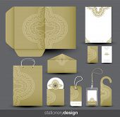 Briefpapier-Design-set im Vektor-format