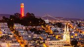 Coit Tower y St. Peter And Paul Church