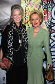 LOS ANGELES - JAN 17:  Veronica Cartwright, Tippi Hedren arrives at the