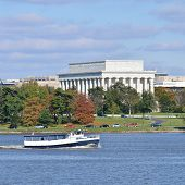 Lincoln Memorial from Potomac River west bank - Washington DC, United States