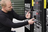 IT Consultant Maintain Blade Server in Datacenter