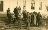 GERMANY, CIRCA THIRTIES: Vintage photo of big family on steps of their house