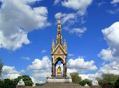 picture of kensington  - The Albert Memorial in London - JPG
