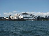 Sydney_Opera_Houseandharbour_Bridge_007
