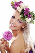 pic of youg  - Beautiful youg girl wearing floral wreath closeup - JPG