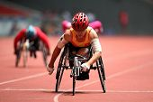 Kuala Lumpur - August 15: Vietnam's Wheel Chair Athlete Leads The 800m Race At The Track And Field E