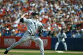 NEW YORK - MAY 20: Mike Mussina #35 of the New York Yankees pitches against the New York Mets on May