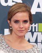 LOS ANGELES - JUN 05:  EMMA WATSON arriving to MTV Movie Awards 2011  on June 05, 2011 in Hollywood,