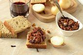 Onion confiture (jam)