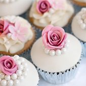 picture of sugarpaste  - Wedding cupcakes in silver foil wrappers - JPG