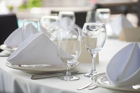 image of banquet  - Elegant and beautiful white banquet wedding table setting - JPG