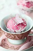 picture of shabby chic  - Butterfly cupcake - JPG