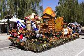 Leavenworth parade float