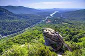 Chimney Rock Chimney Rock State Park en Carolina del norte, Estados Unidos.