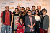 LOS ANGELES - OCT 28:  Modern Family Cast at the Modern Family on USA Network Fan Appreciation Event