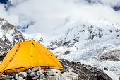 Everest Base Camp und Zelt