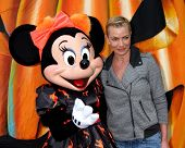 LOS ANGELES - OCT 1:  Jaime Pressly at the VIP Disney Halloween Event at Disney Consumer Product Pop Up Store on October 1, 2014 in Glendale, CA