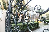 pic of gate  - Many homes in the historical area of Charleston - JPG