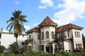 Antigua casa abandonada en la Habana