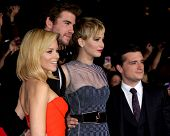 LOS ANGELES - NOV 18:  Elizabeth Banks, Liam Hemsworth, Jennifer Lawrence, Josh Hutcherson at the Th