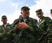 KOSTROMA REGION - AUG 26: Vladimir Shamanov (C) (Commander-in-Chief Russian Airborne Troops) during