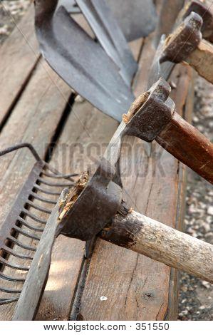 Постер, плакат: Старые инструменты, холст на подрамнике