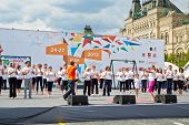 MOSCOW - MAY 27: Performance of Bikram Yoga Studio led by O.Shurygina on Red Square during 8-th spor