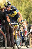 BARCELONA - el 24 de marzo: Nicki Sorensen del Saxo Bank Tinkoff equipo durante el Tour de Cataluña de ciclismo