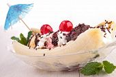 picture of banana split  - gourmet banana split - JPG