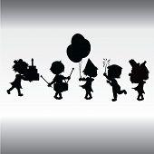 Silhouetten-Kinder