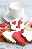 picture of sugar paste  - Shortbread cookies in the shape of heart decorated with sugar paste  - JPG