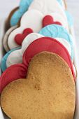 pic of sugar paste  - Shortbread cookies in the shape of heart decorated with sugar paste - JPG