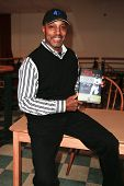 HUNTINGTON, NY-MAY 16: Former MLB player/manager Willie Randolph signs copies of his book