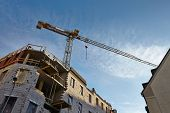 Building construction with tower cranes