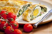 puff roly-poly filled with spinach and eggs