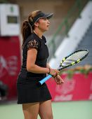 Araval Rezai von Frankreich in ihrem Spiel gegen Patty Schneider bei den Qatar Total Open Februar 20