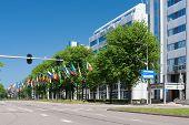 Avenida das bandeiras em Haia, Países Baixos