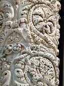 Pisa - fachada de la catedral. Evidencia intemporal de la riqueza anterior