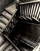 Descendente de escadas traseiras