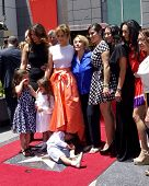 LOS ANGELES - JUN 20:  Jennifer Lopez, Lupe Lopez, Max Anthony, others at the Hollywood Walk of Fame