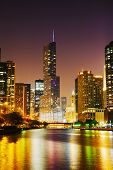 Trump International Hotel And Tower, em Chicago, Il, no meio da noite
