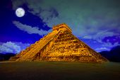 picture of yucatan  - The pyramid of Kukulcan at Chichen Itza at full moon - JPG