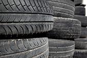 pneus de carro usado em linhas para reciclagem de pneus