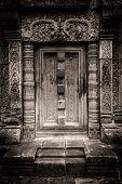 Banteay Srei stone false doorway