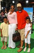 Mary J. Blige with Kendu Isaacs and family at the Los Angeles Premiere of