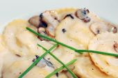mushroom ravioli with cream sauce