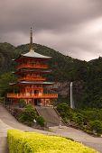 Seiganto Ji Tempel und Nachi Wasserfall